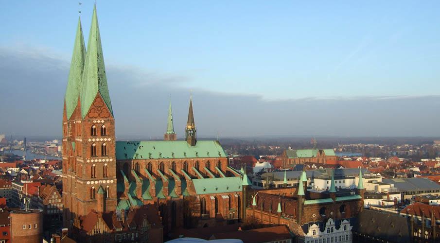 Marienkirche är en vacker kyrka_905x500